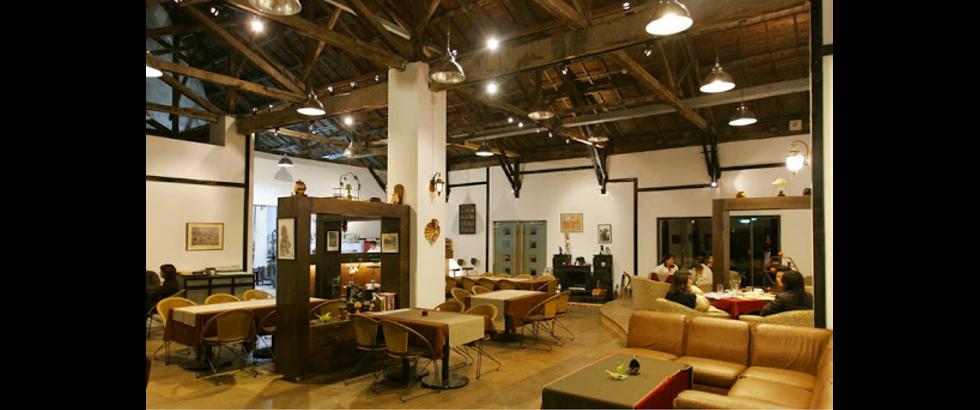 Hsin-Chu City Art Site of Railway Warehouse's Space