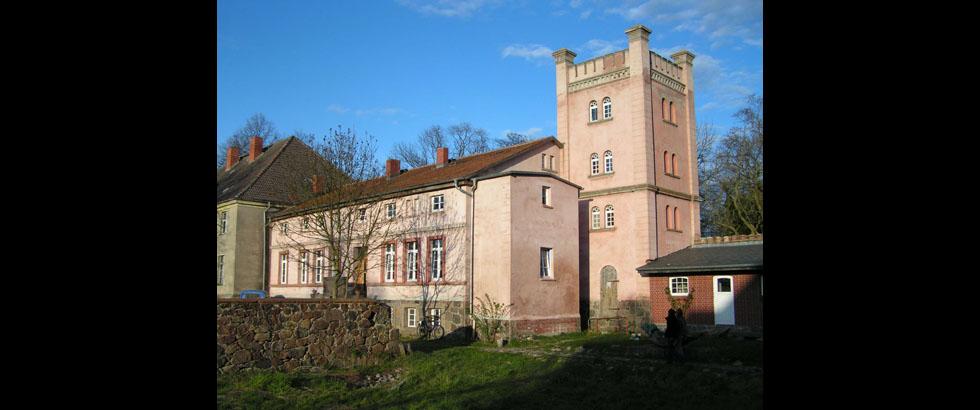 Schloss Bröllin's Building